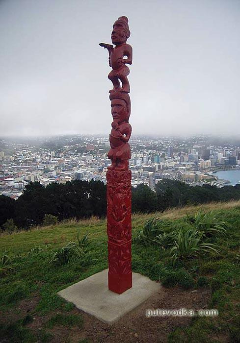 Новая Зеландия. Понеке (Веллингтон). Идол маори.