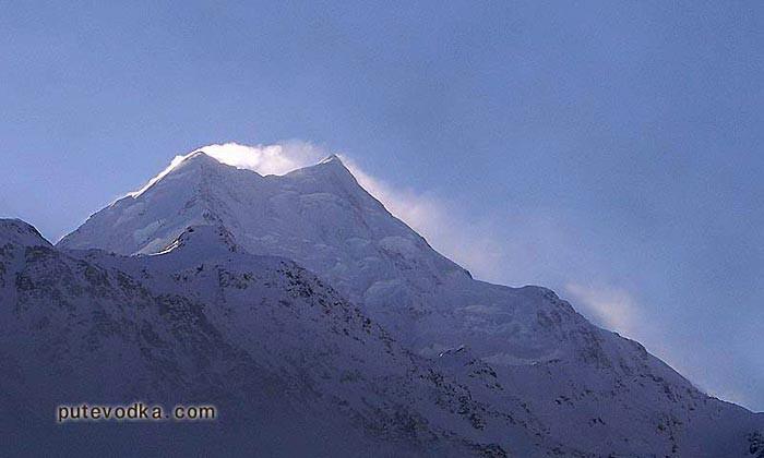 Новая Зеландия. Остров Южный. Самая высокая вершина страны— гора Аораки.