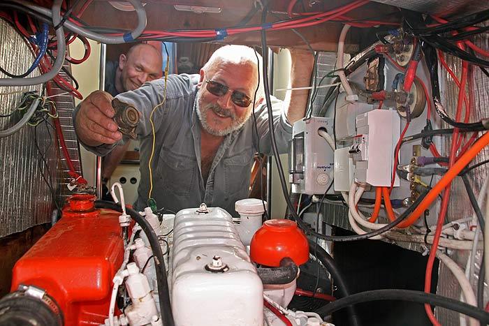 Яхта Пепелац. Машинное отделение. Костя Путеводка.