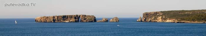 Греция. Ионическое море. Пелопоннес. Яхта ПЕПЕЛАЦ. Вид по левому борту при входе в Наваринскую бухту.