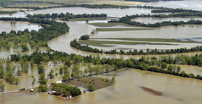 Наводнение в районе Донузлава, вызванное затопленными российскими кораблями