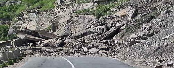 Российские террористы взорвали дорогу Симферополь-Ялта