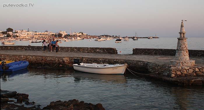 Греция. Эгейское море. Киклады. Остров Парос. Алики.