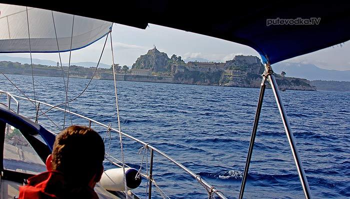 Греция. Яхта «Пепелац». Остров Керкира (Корфу). Причал яхт-клуба NOAK.