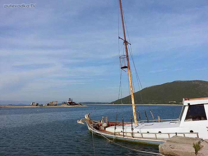 Яхта «Пепелац». Судовой журнал. Северный вход в канал острова Лефкас. Морские грибы Средиземья.