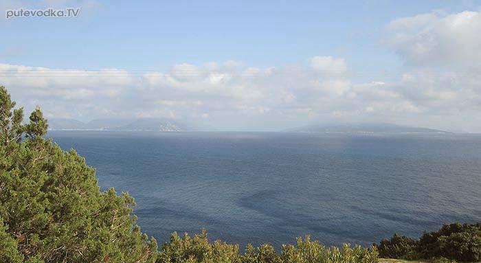 Яхта Пепелац. Греция. О.Лефкас. Вид с маяка Дукато на о. Кефалония.