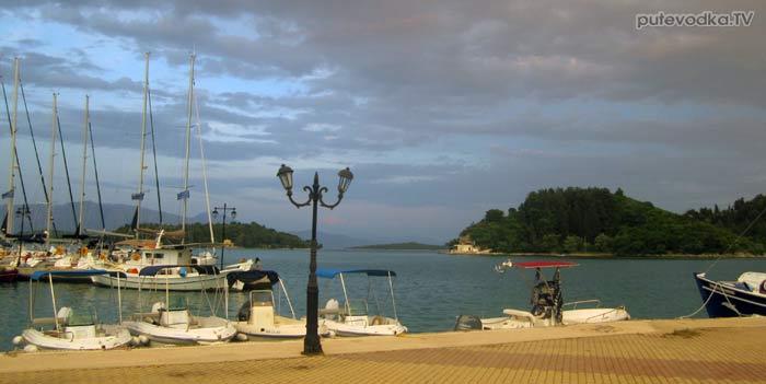 Яхта Пепелац. Греция. О.Лефкас. Нидри.