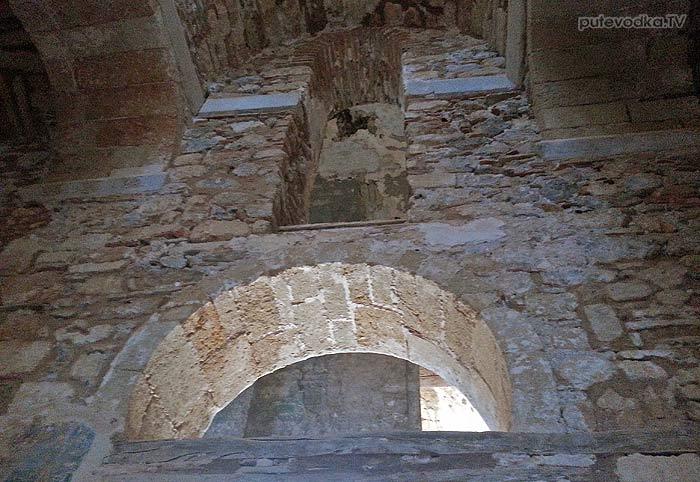 Греция. Пелопоннес. Монемвасия. Верхний город. Храм Святой Софии.