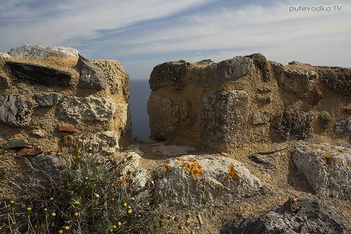 Греция. Пелопоннес. Монемвасия. Верхний город. Южные укрепления.