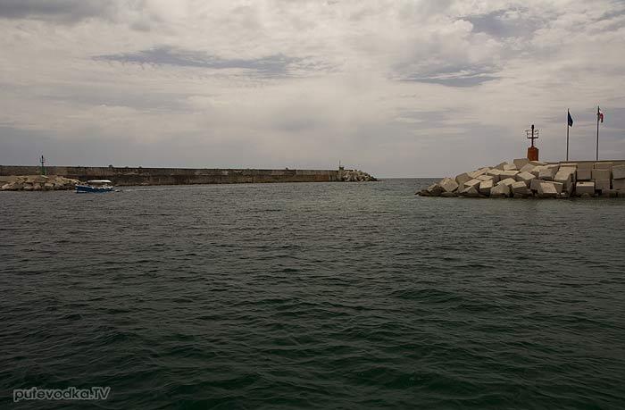 Яхта ПЕПЕЛАЦ. Италия. П-ов Саленто. Санта Мария ди Леука (Santa Maria di Leuca). Яхтенная марина.
