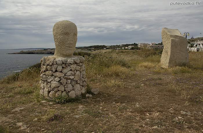Яхта ПЕПЕЛАЦ. Италия. П-ов Саленто. Санта Мария ди Леука (Santa Maria di Leuca). Скульптура.