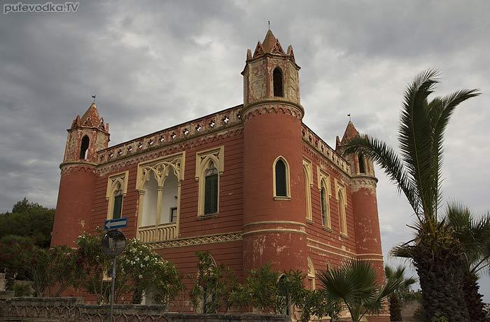 Яхта ПЕПЕЛАЦ. Италия. П-ов Саленто. Санта Мария ди Леука (Santa Maria di Leuca). Поселок.